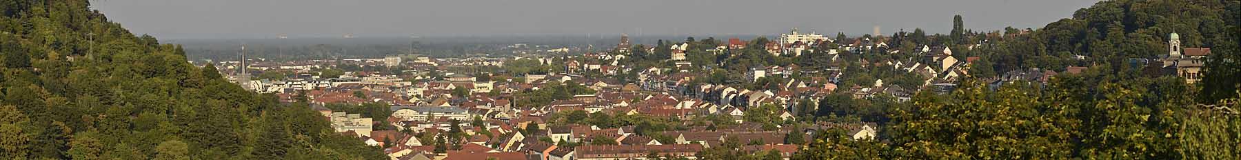 Panoramablick vom Anwesen der Ferienwohnung Uhuherz, Pfalz - Neustadt an der Weinstraße.