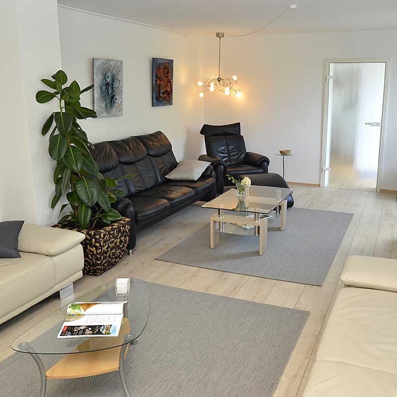 150 m² Wohnfläche - hochwertig und modern eingerichtet (Ferienwohnung Uhuherz, Pfalz - Neustadt an der Weinstraße).