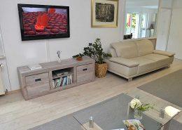 Großes Flachbildschirm-TV